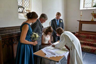 イギリスの結婚式で知っておくべき7つの豆知識!式手続き