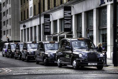 ロンドンのタクシー事情やおすすめ移動手段!旅行前に知るべき7つの事!ブラックタクシー