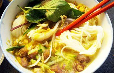 現地で絶対食べたいおすすめカンボジア料理10選!ノムバンチョック