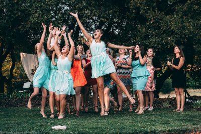イギリスの結婚式で知っておくべき7つの豆知識!ブーケトス