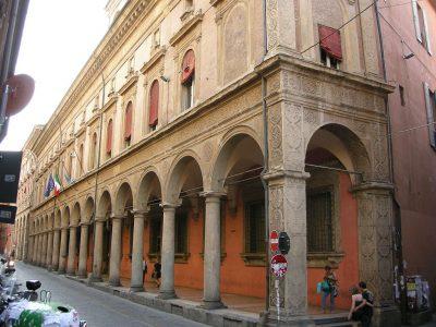 イタリアの人気大学を現地調査!7つのおすすめ役立ち情報!ボローニャ大学