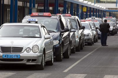 オランダのタクシー事情やおすすめ移動手段!旅行前に知るべき7つの事!タクシー乗り場