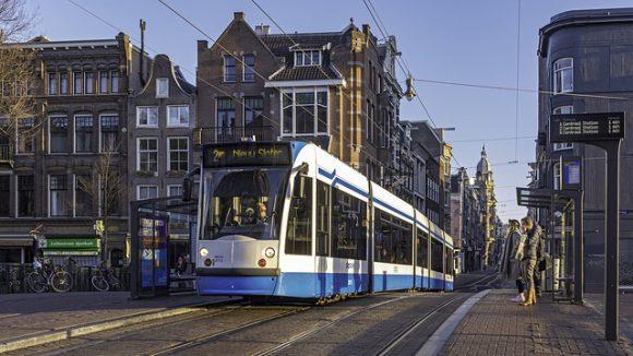 オランダのタクシー事情やおすすめ移動手段!旅行前に知るべき7つの事!