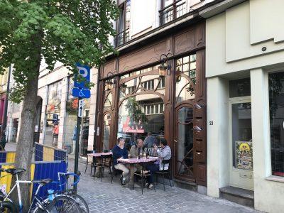 ブリュッセルで絶対行きたいおすすめ人気カフェ・レストラン12選!Nüetnigenough外観