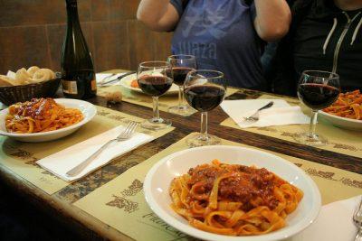 ボローニャで絶対行きたいおすすめ人気カフェ・レストラン8選!オステリア デッロルサ