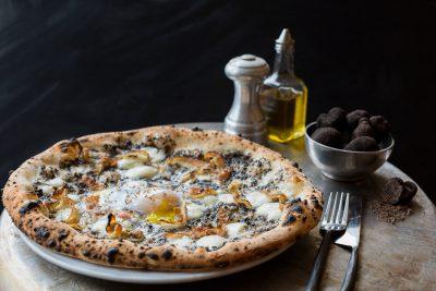 ボローニャで絶対行きたいおすすめ人気カフェ・レストラン8選!スパッカ ナポリ