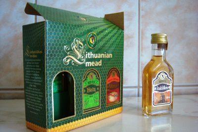 リトアニアお土産調査!貰って嬉しい超おすすめ10選!蜂蜜酒 midus(ミデゥス)