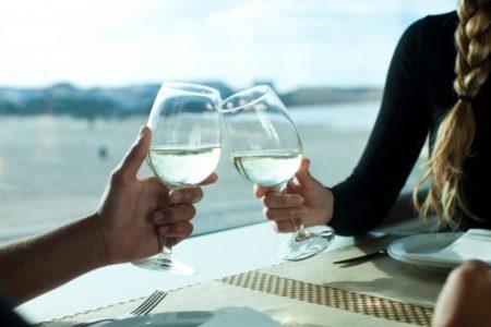 フランス語で乾杯!パーティーや飲み会でそのまま使える10フレーズ!1