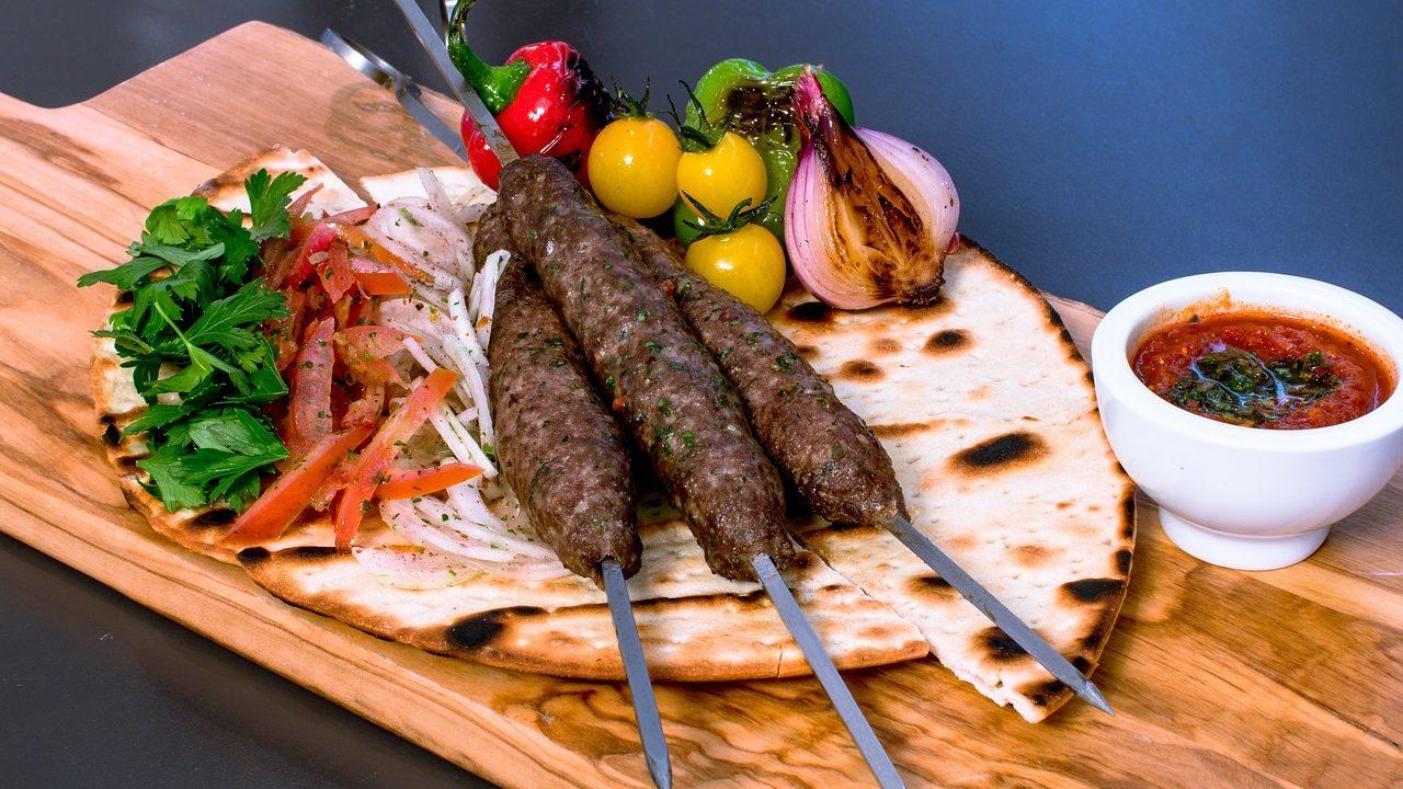 アラビア語でおいしい!レストランでそのまま使える20フレーズ!